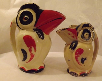 FREE SHIPPING Bird Pitchers Creamers two total vintage (Vault 2)