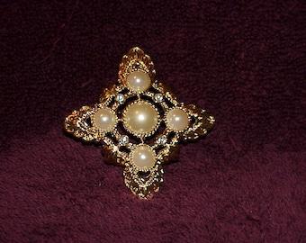 1980's--Signed--KJL--Kenneth J Lane--Avon--BROOCH--Pin--PENDANT--Renaissance Collection--Rhinestones--Pearls--Kenneth J Lane