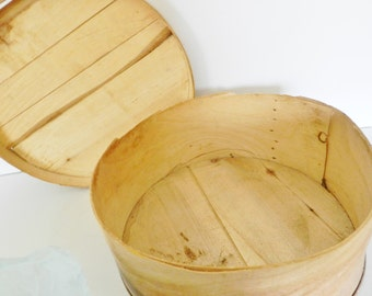 Mid Century Wood Cheese Box, Wood Cheese Box, Round Cheese Box, Primitive Kitchen Box, Primitive Storage Box