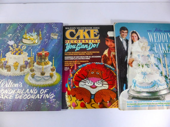 Items similar to Vintage Wilton Cake Decorating Books ...
