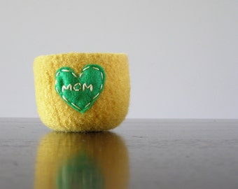 "felted ring bowl - bright yellow wool with green heart and ""MOM"" embroidery in pale yellow - Gifts for mom  - ready to ship"