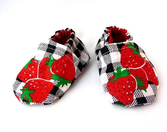 strawberry baby shoes, cloth baby shoes, fabric baby shoes, handmade shoes, cotton baby shoes, baby accessories, gift idea, baby shower,cute