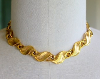 Vintage Necklace Gold Tone Collar Choker Link Thick