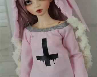 Minifee Drippy Black Cross Shirt, BJD Clothes, MNF, 1/4 Size Doll Clothes Pastel Goth