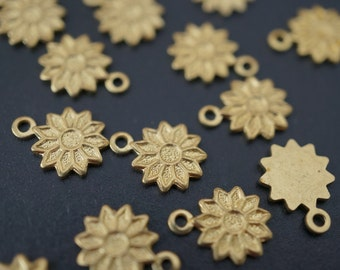 Raw Brass Simple Daisy Flower Name Tag Charms - 30 pcs