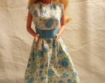 Vintage Style Blue Flowered Dress with Shoes for Barbie