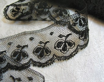 "Annie Antique Black Chantilly Lace Trim in Cotton with Scalloped Edge Sold in 2 Yard Pieces 1-1/4"" wide"