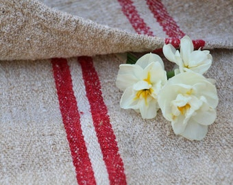 Nr. 561:  antique BRIGHT RED and WHITE  grain sack upholstery fabric 20.08 wide