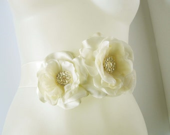 Bridal sash belt Braut-Gürtel peony flower ivory or custom color