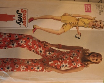 Easy Jiffy Jumpsuit or romper size 12 Simplicity 8787