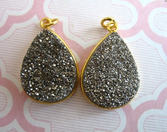 Sale.. Drusy Druzy Bezel Gemstone Pendants Charm, Gray Grey, Titanium Coated - 24k Gold Vermeil, 24x16 mm, Tear Drop Teardrop gcp1 gp ll