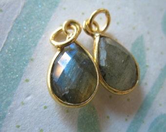 1 pc, LABRADORITE Pendants Charms, Bezel Set Gem Stone, 14x8.25 mm, 24k Gold Plated or Sterling Silver Teardrop, petite  GCP4