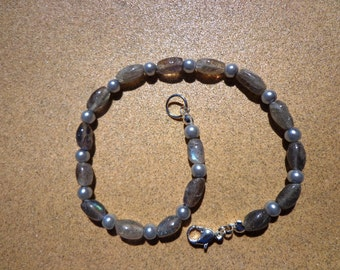 Labradorite Bracelet, Oval Gemstones and Gray Pearl Glass Beads with Clasp in 2 Sizes, Stone for Success, Healing Stone, Spectrolite
