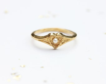 Sample Sale - Delicate Heart and Pearl Ring