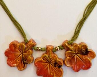 Vintage 1970s Ceramic Leaf necklace