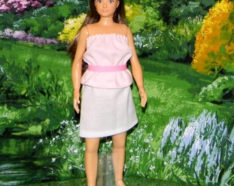 LMLY-147 ) Lammily doll clothes ( grey skirt with pink top and belt)