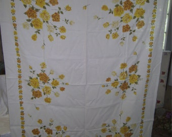 1950s PRINT KITCHEN TABLECLOTH - Yellow Roses