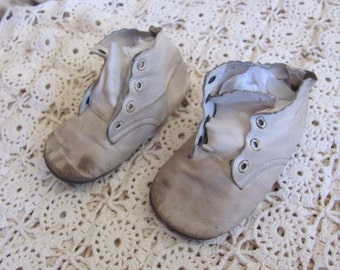 Shoes Antique White Leather Infant Child Shoes Boots Booties