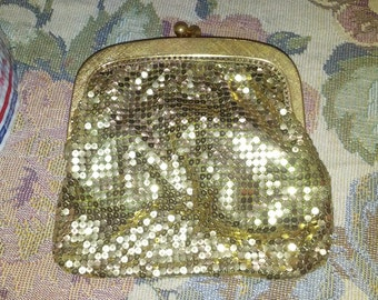 Vintage Gold Metal Mesh Deco Change Purse Bag