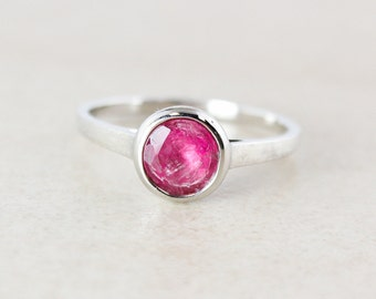 Juicy Pink Tourmaline Ring - Round - 925 Sterling Silver