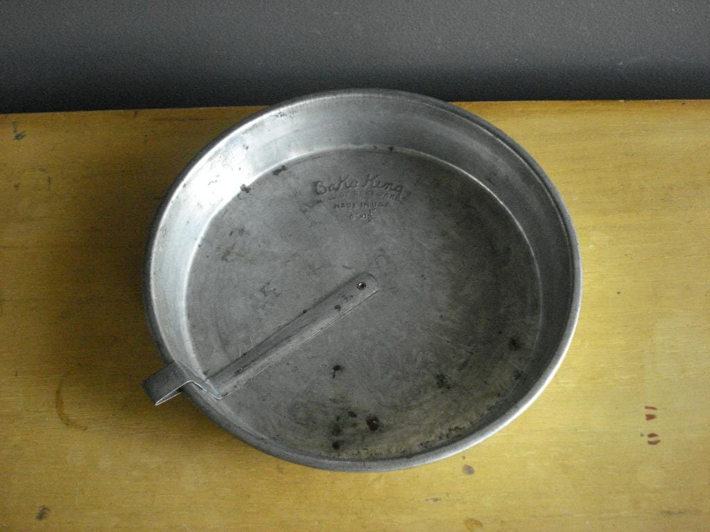 Bake King Cake Pan Vintage Baking Tin With By Happygovintage