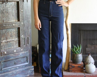 vintage 70s high waisted / straight leg / dark wash denim jeans