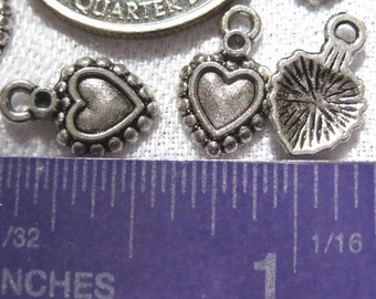 small Heart charm Tibetan Silver Jewelry Supply 5 pieces