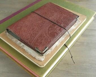 leather binder, super slim planner, simple planner, handy journal, refillable journal, pocket size inserts, handstitched, vegetable tanned