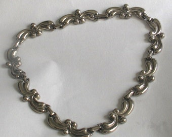 SALE Vintage  Silver Tone Necklace