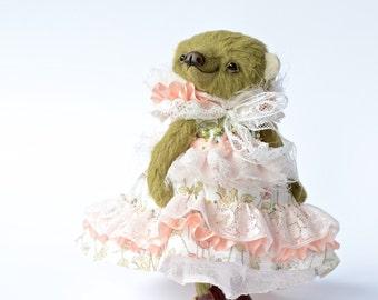 Artist teddy bear, collectible teddy bears, plushie bear, kawaii soft toy, cute toy collectables, vintage teddy bear, antique style bear