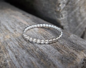Single Stacking Ring, Silver Twist Stacking Ring, Sterling Stacking Ring, Simple Ring, Midi Ring, Knuckle Ring, Skinny Ring, Stack Ring