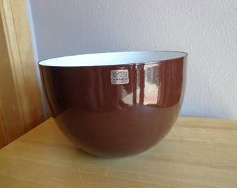 Vintage Arabia Enamel Bowl in Brown