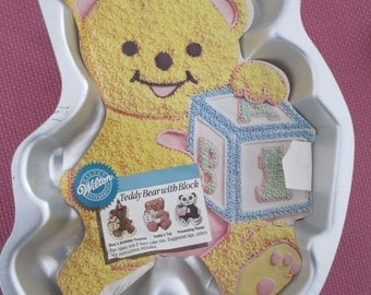 Vintage WILTON TEDDY BEAR with Block Cake Pan with Color Insert, #2105-8257, 1995