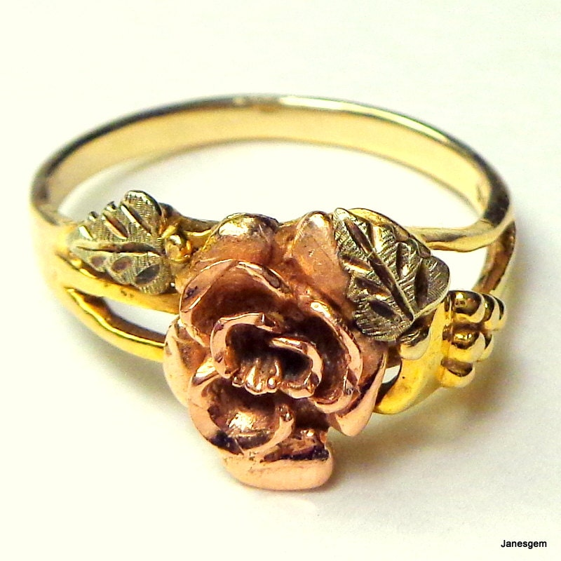 Black Hills Gold Ring Solid 10k Gold Vintage Rose Gold