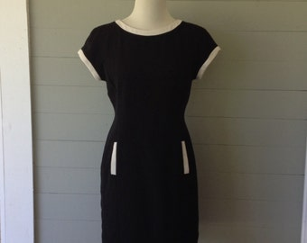 Vintage 1980s Black Mod Dress / Black with White Trim / Front Slash Pockets / Mod Mini Dress