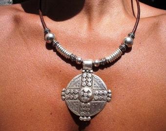 Celtic jewelry, Celtic necklaces, silver Celtic jewelry, sterling silver necklace, womens necklaces, silver necklaces, jewelry necklaces
