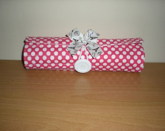 Brush/Pencil roll Travel accessory holds 19 brushes suits 6 and 8 inch brushes with extra zipped pocket washable