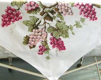 Vintage CottonPrint Tablecloth, cotton, grapes, fruit,  print, pink, green