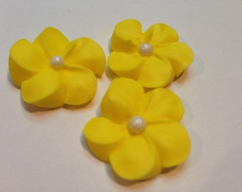 LOT of 100 royal icing flowers for Cake Decorating