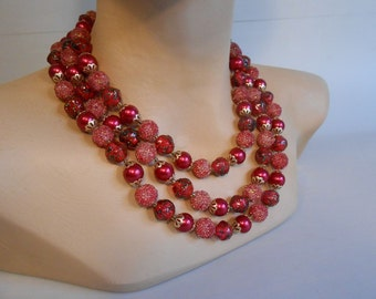 Sizzling Hot Summer Days - 1950s Hot Pink Magenta Rose Pink Lucite Bead 3 Strand Necklace w/Sugar Coating