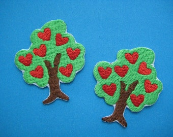 2 pcs Iron-on Embroidered Patch LOVE Tree 2 inch