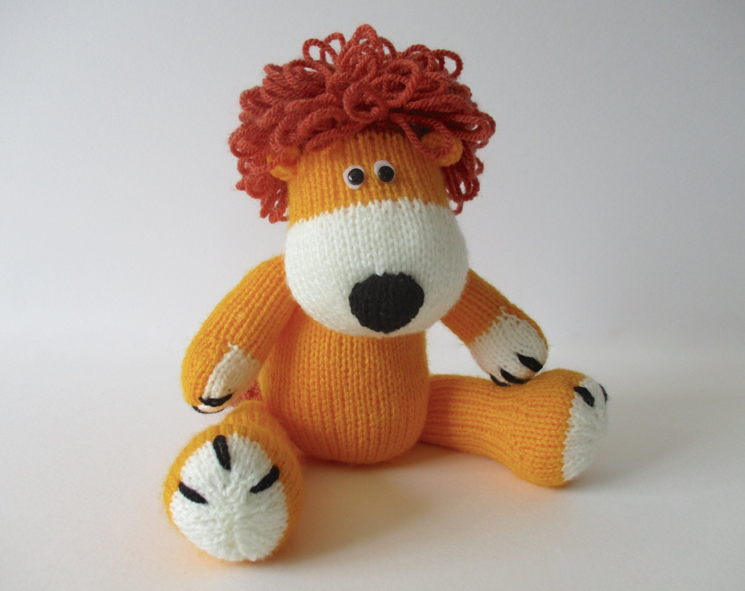 Samson the Lion toy knitting pattern