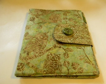 Green Owl Batik ipad Cover