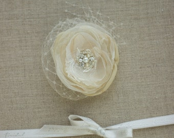 Champagne Bridal hair flower Wedding headpiece Wedding hair piece Bridal hair accessories Flower hair clip Bridal fascinator