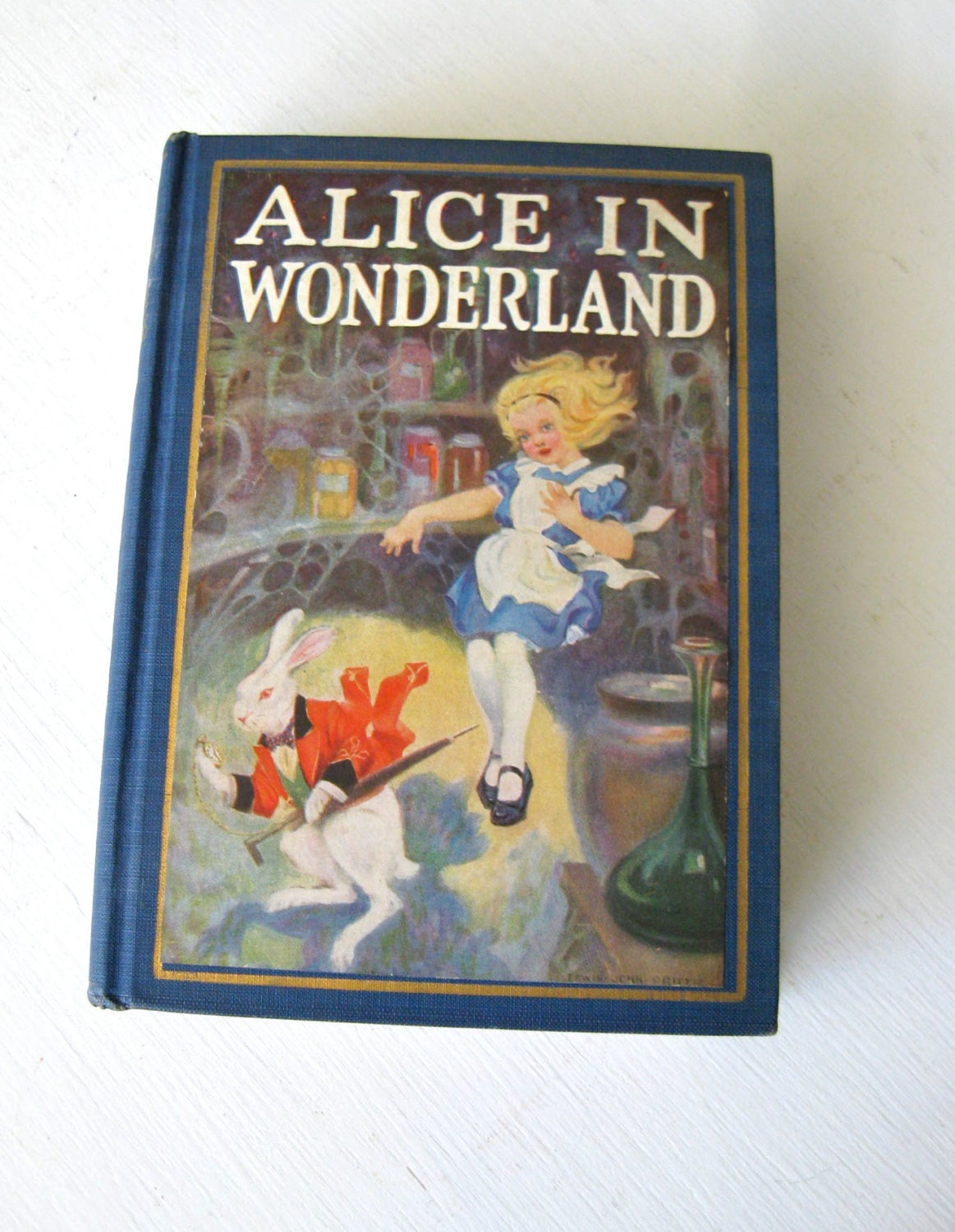 alices adventures in wonderland analysis In the novel alice's adventures in wonderland by lewis carroll first seem haphazard in the analysis of a literary character in a fantasy world.