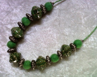 Chunky Mint Green and Silver Necklace (1045)