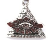 Sterling Silver Pyramid with Eye Toggle Clasp