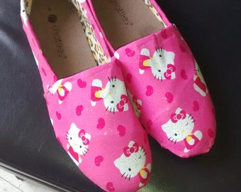 Hello Kitty canvas shoes size 8