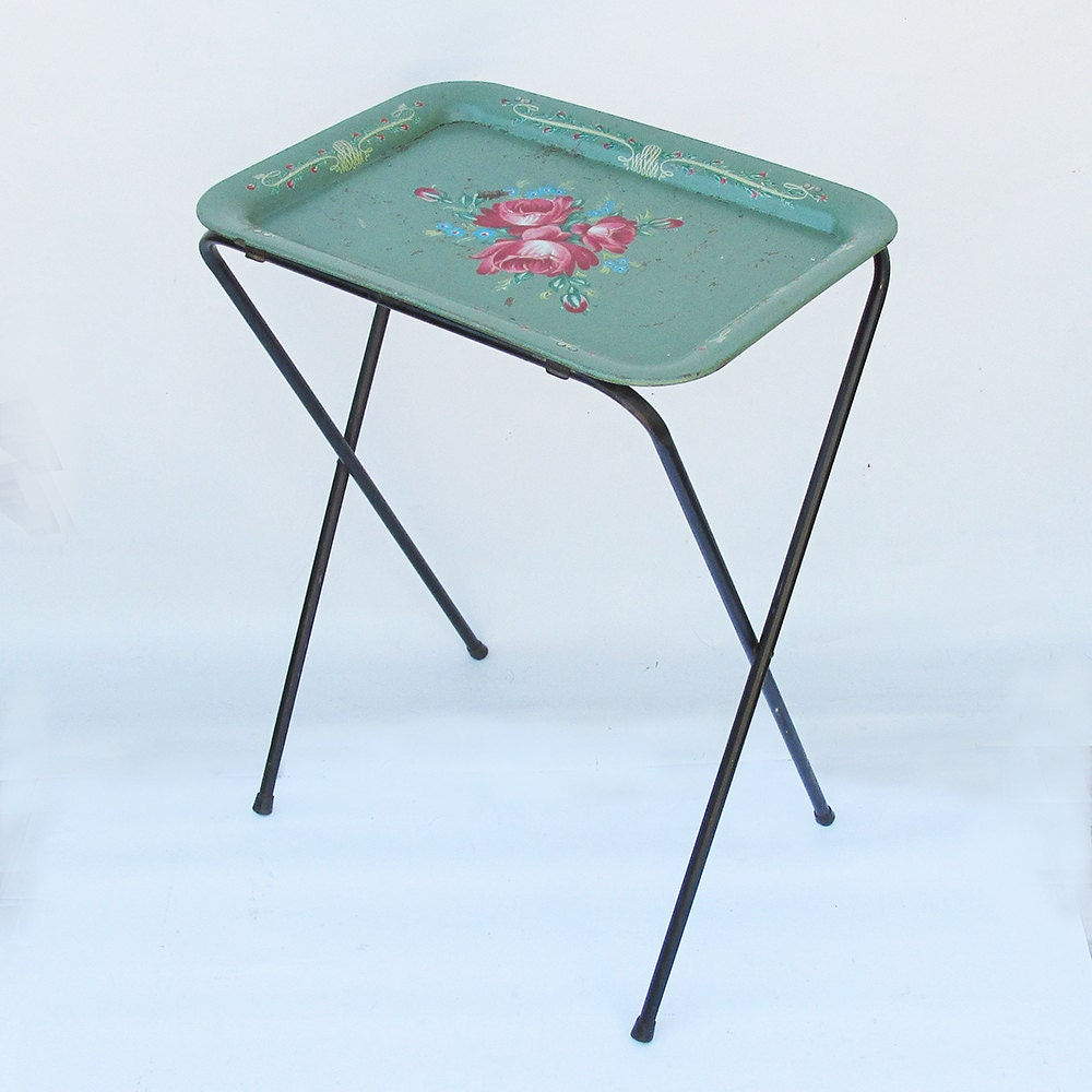 Mid Century Metal Litho Tv Tray With Colorful Rose Bouquet