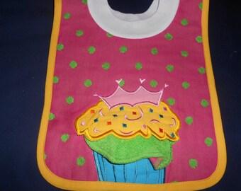 Cupcake  with Washcloth, over the head bib